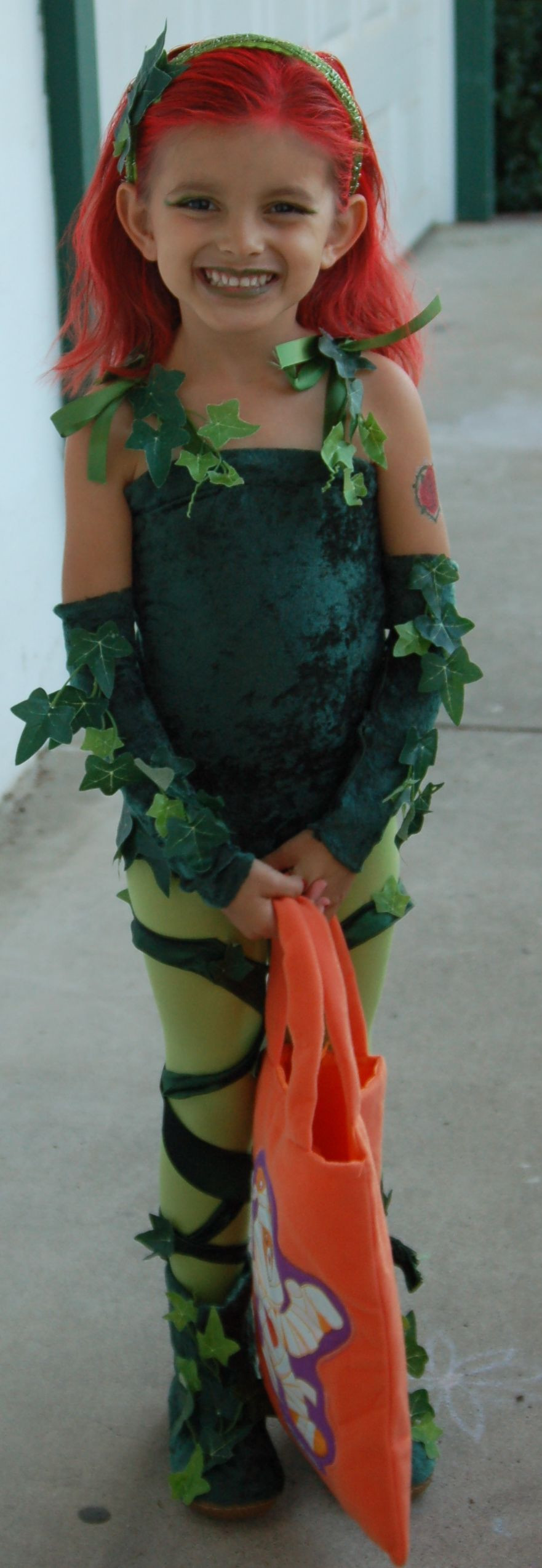 Best ideas about Poison Ivy Costume DIY . Save or Pin DIY Poison Ivy Costume is is what Jalen want to be Now.