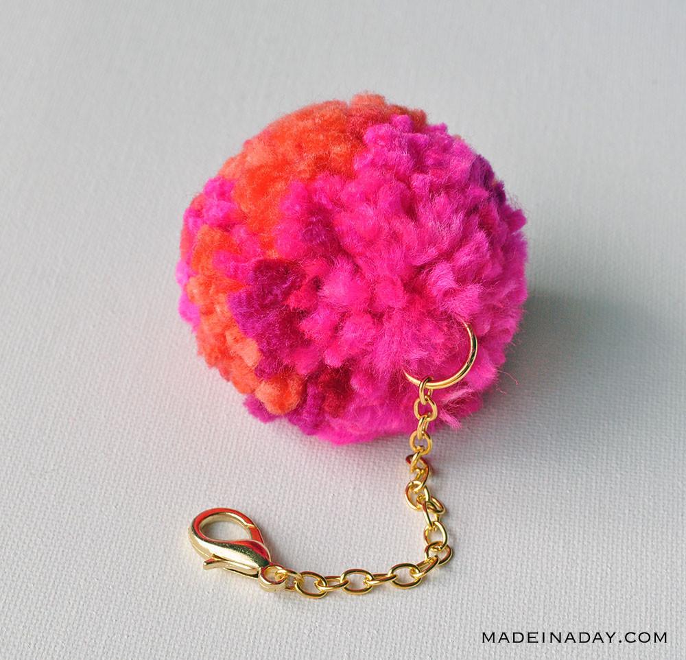 Pom Pom Maker DIY  DIY Pom Pom Keychain