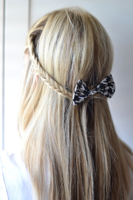 Pretty Easy Hairstyles  18 Cute and Easy Hairstyles that Can Be Done in 10 Minutes