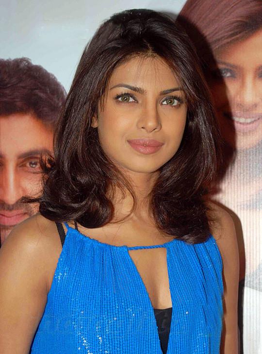 Priyanka Chopra Haircuts  STYLE PRIYANKA CHOPRA HAIRSTYLES