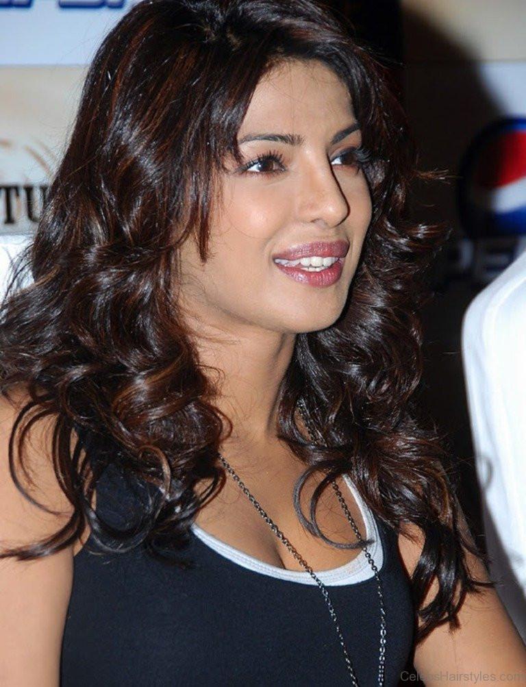 Priyanka Chopra Haircuts  56 Stylish Hairstyles Priyanka Chopra