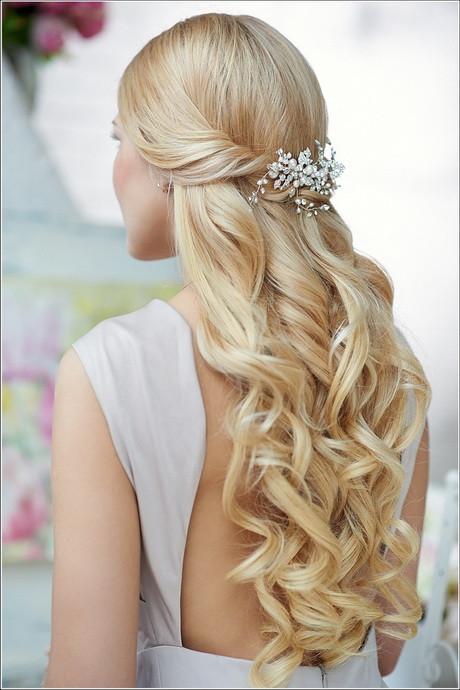 Prom Hairstyle Half Up  Prom hairstyles curly half up