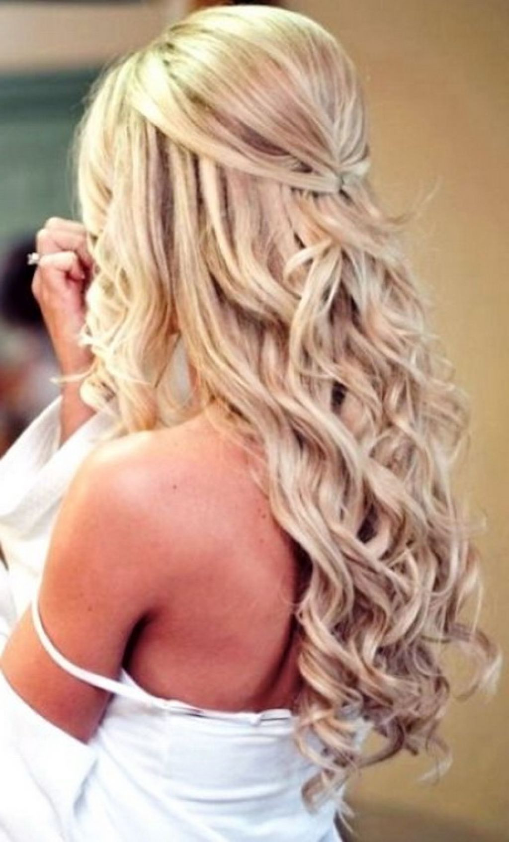 Prom Hairstyles Down Medium Hair  Curly hairstyles for prom for medium length hair