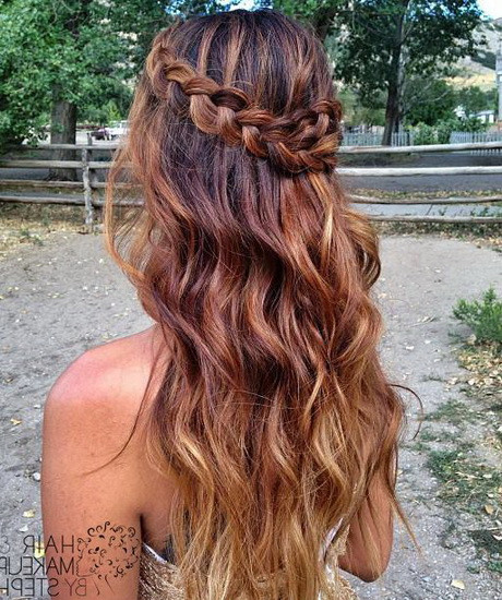 Prom Hairstyles Down Medium Hair  Prom hairstyles down 2016