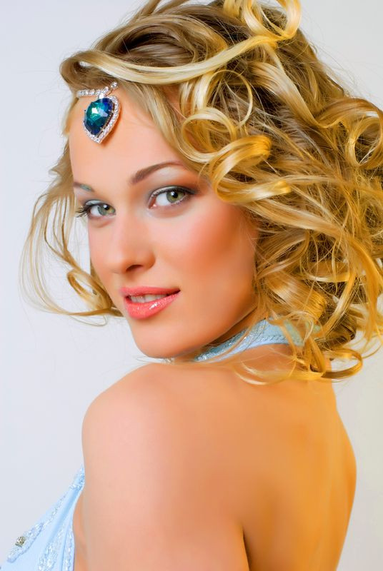 Prom Hairstyles Down Medium Hair  Prom hairstyles for medium length hair 2013