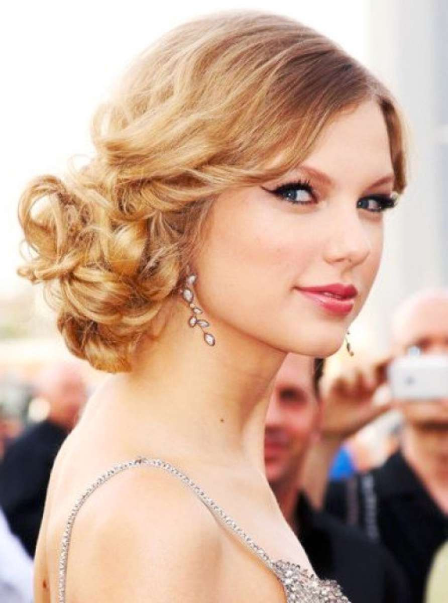 Prom Hairstyles For Medium Hair  25 Prom Hairstyles For Short Hair The Xerxes