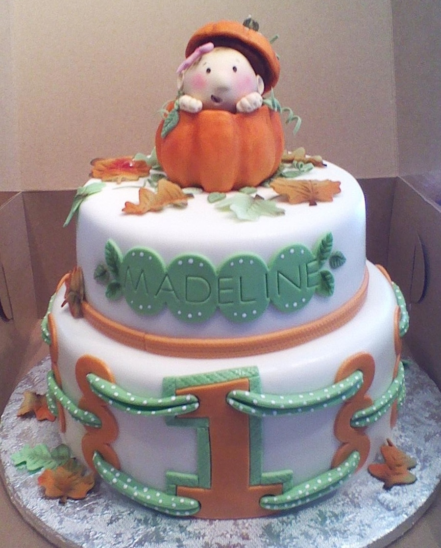 Pumpkin Birthday Cake  Baby In A Pumpkin CakeCentral