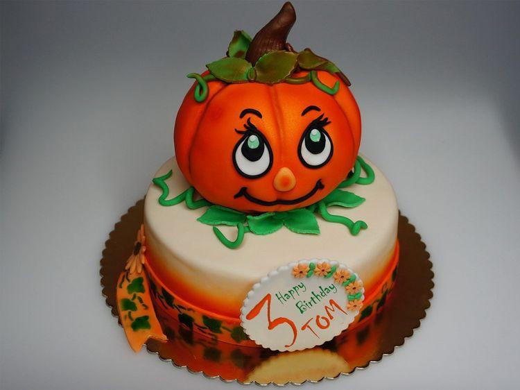 Pumpkin Birthday Cake  Birthday pumpkin cake