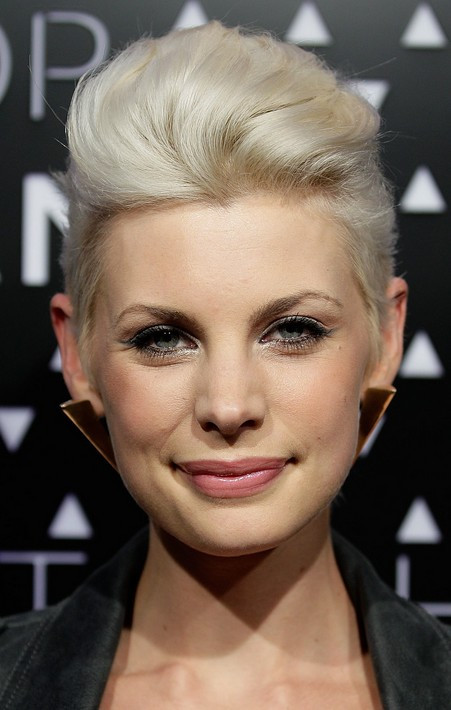 Quiff Hairstyle Female  16 Pompadour & Quiff Hairstyles for Women Pretty Designs