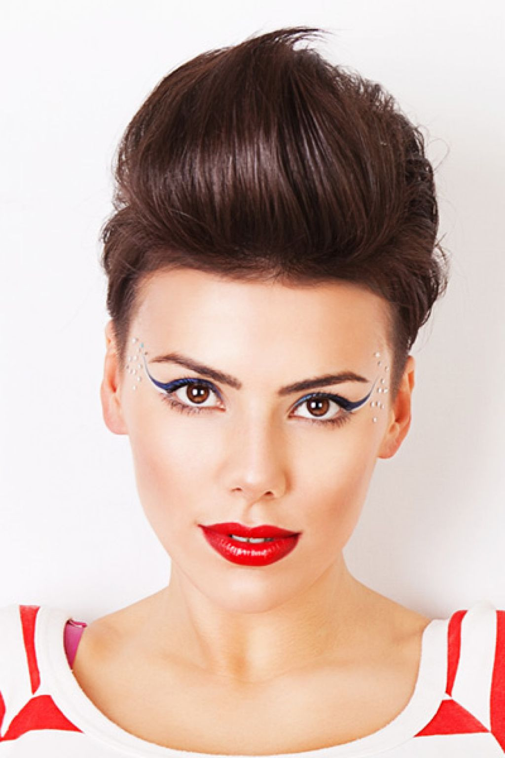 Quiff Hairstyle Female  Daring Women Quiff Hairstyles To Make a Statement