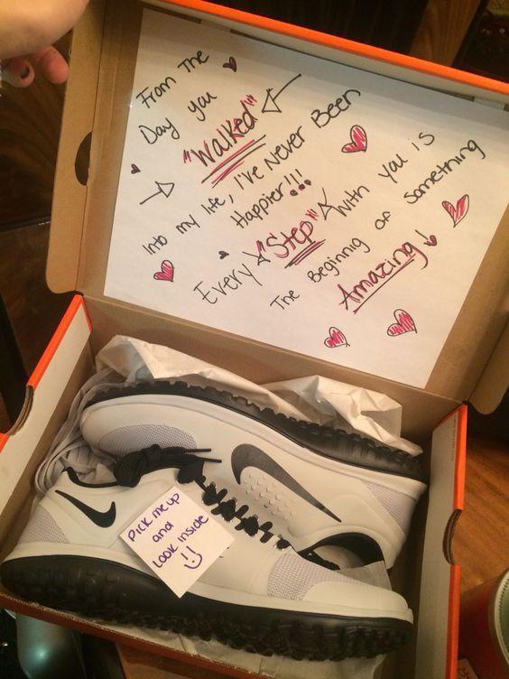 Romantic Boyfriend Gift Ideas  25 great ideas about 25th birthday ts on Pinterest