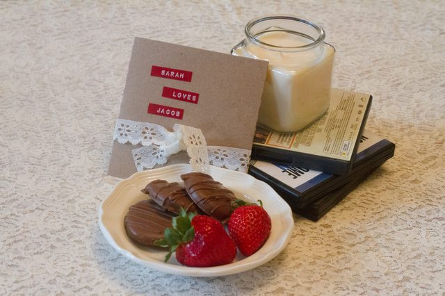 Romantic Boyfriend Gift Ideas  Romantic & Cheap Birthday Gift Ideas for Your Boyfriend