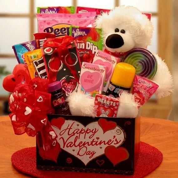 Best ideas about Romantic Gift Ideas Girlfriend . Save or Pin Cute Gift Ideas for Your Girlfriend to Win Her Heart Now.