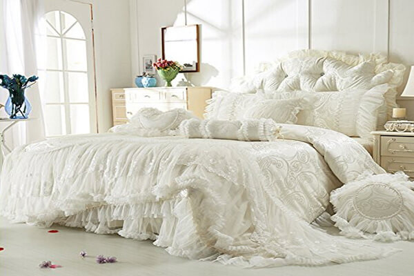 Best ideas about Shabby Chic Bedding . Save or Pin 20 DIY Shabby Chic Bedding Ideas Now.