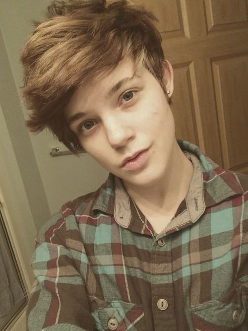 Short Boy Haircuts For Girls  17 best ideas about Androgynous Girls on Pinterest