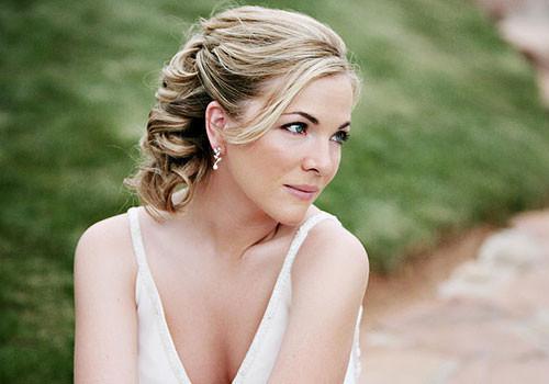 Short Bridesmaids Hairstyles  Elegant and Beautiful Bridal Hairstyles for Short Hair