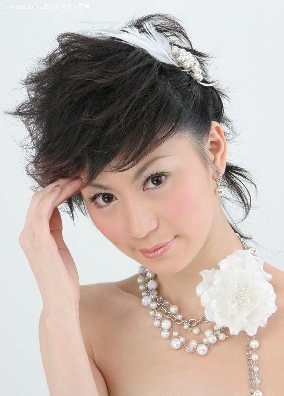 Short Bridesmaids Hairstyles  a new life hartz Short Wedding Hairstyles
