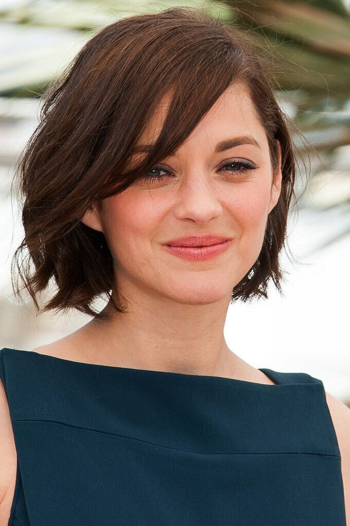 Short Haircuts With Side Bangs  22 Flattering Hairstyles for Round Faces Pretty Designs