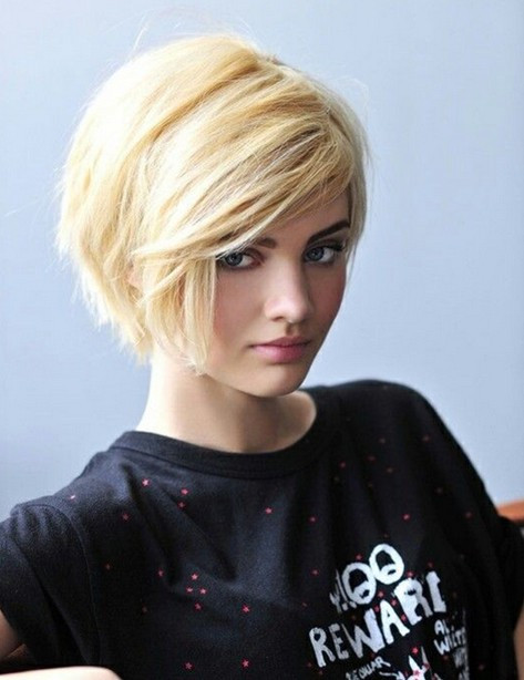 Short Haircuts With Side Bangs  30 Latest Short Hairstyles for Winter 2018 Best Winter