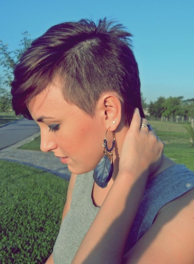 Short Hairstyles With Shaved Sides  21 Stylish Pixie Haircuts Short Hairstyles for Girls and