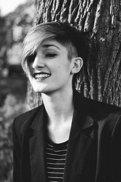 Short Hairstyles With Shaved Sides  35 Vogue Hairstyles for Short Hair PoPular Haircuts