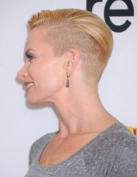 Short Hairstyles With Shaved Sides  20 Ravishing Short Haircuts for Fine Hair