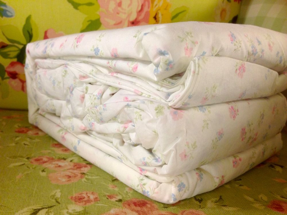 Best ideas about Simply Shabby Chic Sheet . Save or Pin NWT SIMPLY SHABBY CHIC KING SIZE FLORAL COTTON CANDY SHEET Now.