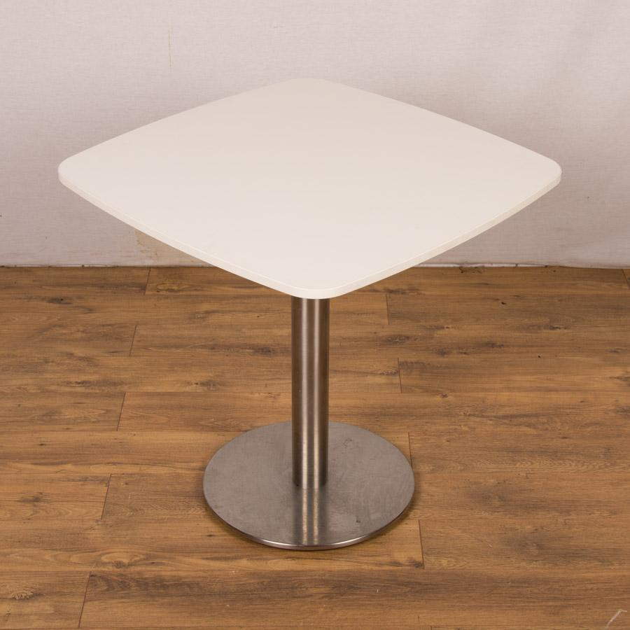 Best ideas about Small Office Table . Save or Pin White 750x750 Small fice Table Now.