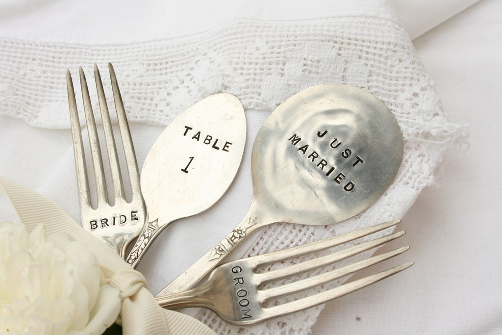 Small Wedding Gift Ideas  Small Wedding Ideas to Suppress Your Expense