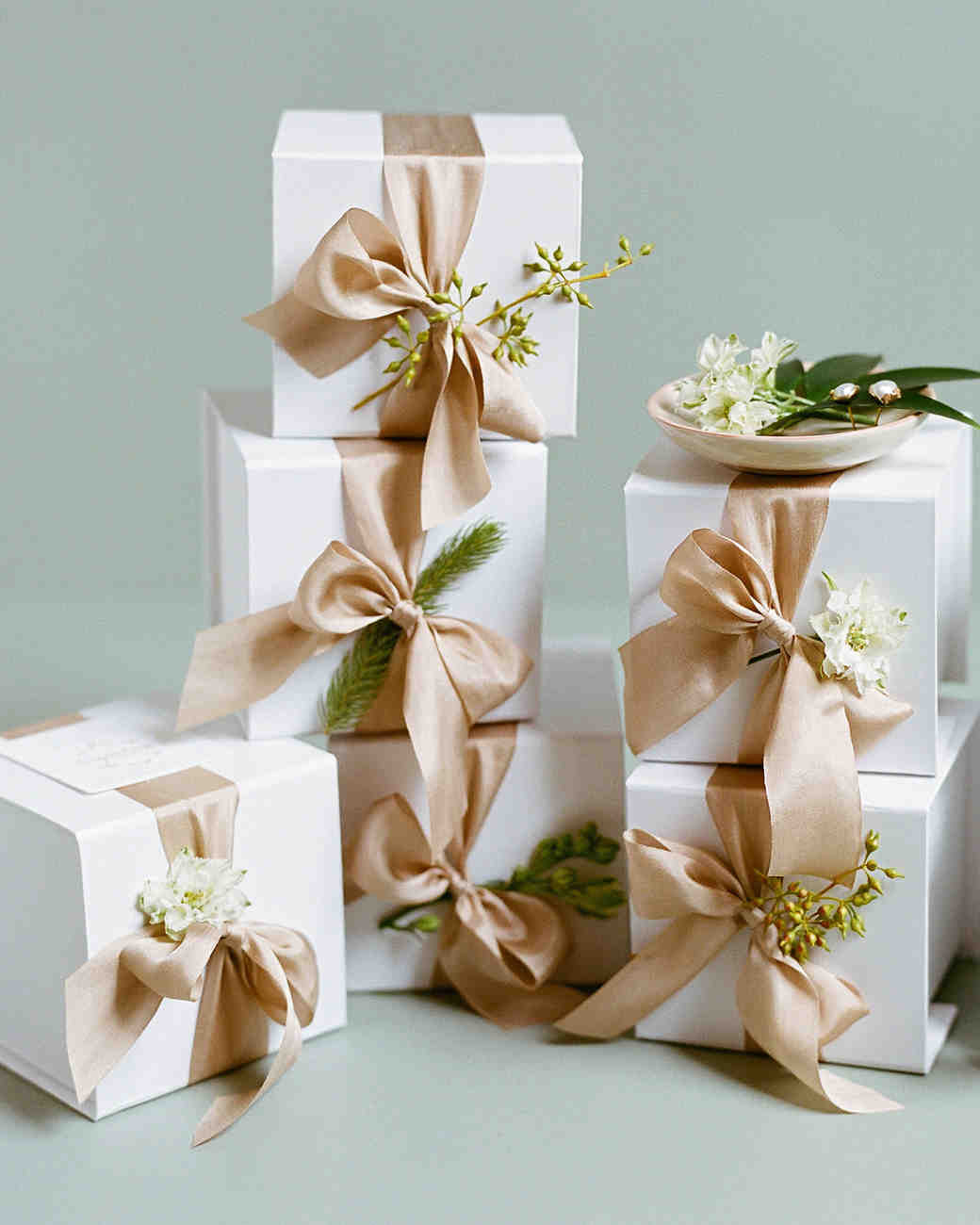 Small Wedding Gift Ideas  34 Festive Fall Wedding Favor Ideas