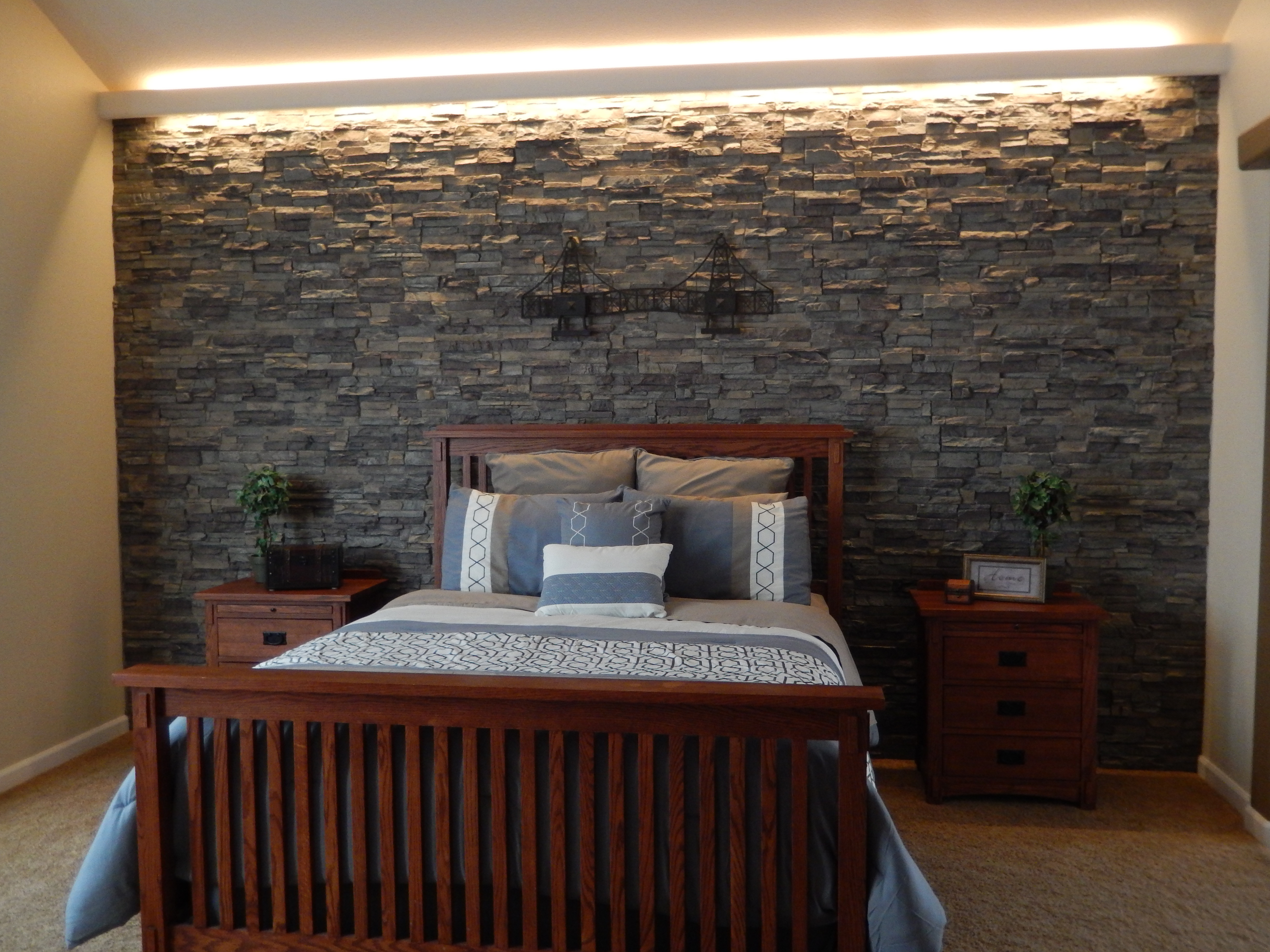 Best ideas about Stone Accent Wall . Save or Pin Splendid Stone Textured Accent Walls Now.