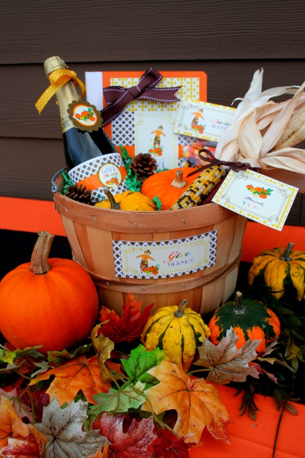 Thanksgiving Gift Basket Ideas  Thanksgiving DIY Gratitude Gift Basket Party Ideas