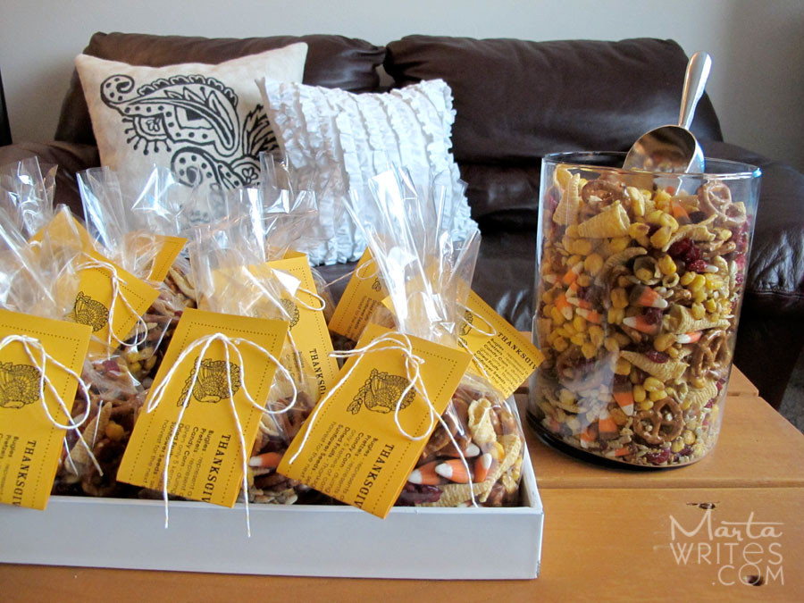 Thanksgiving Gift Ideas  Thanksgiving Snack Mix