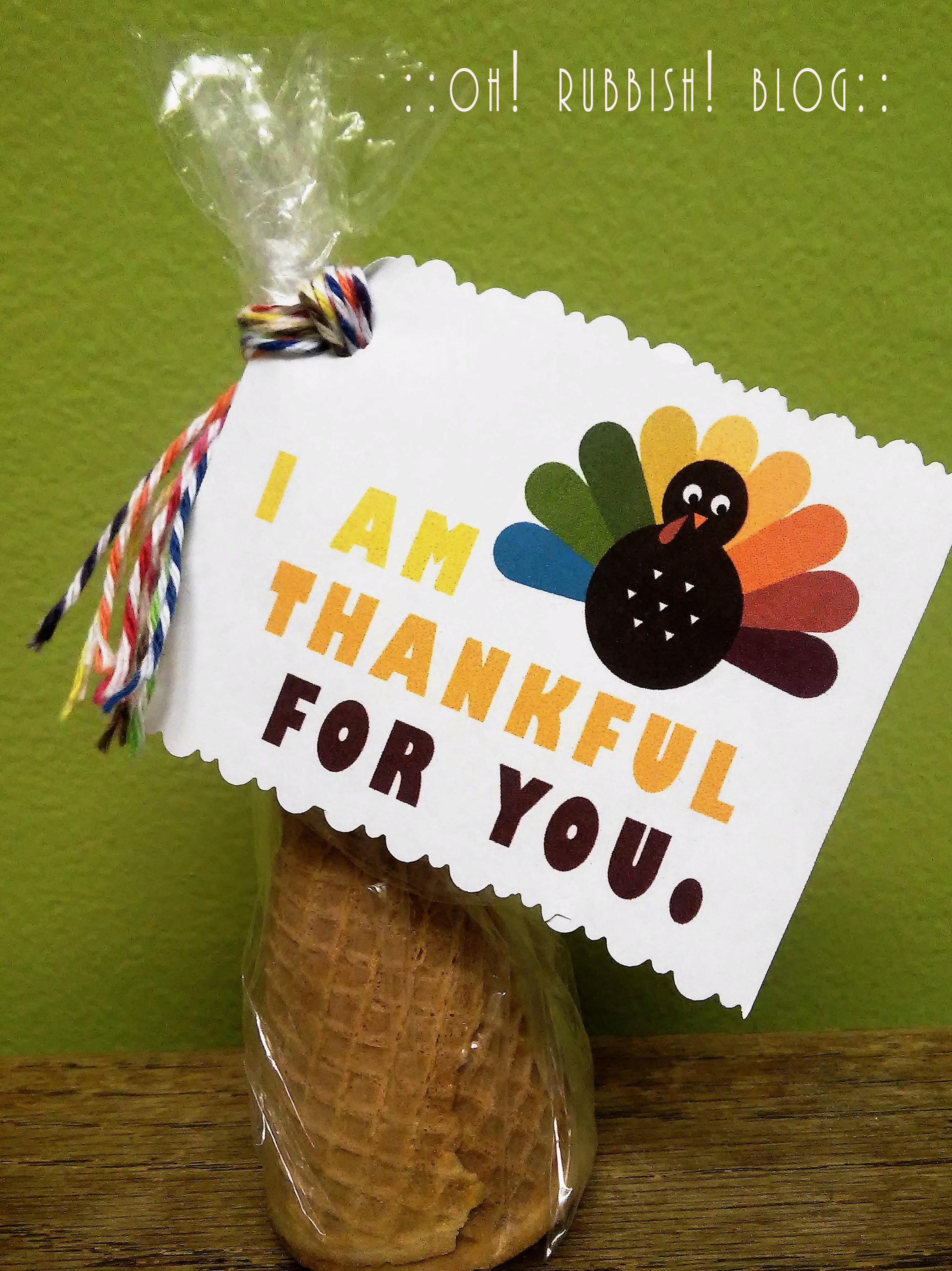 Thanksgiving Gift Ideas For Teachers  Easy Thanksgiving Treat Favors DIY Edible Cornucopia