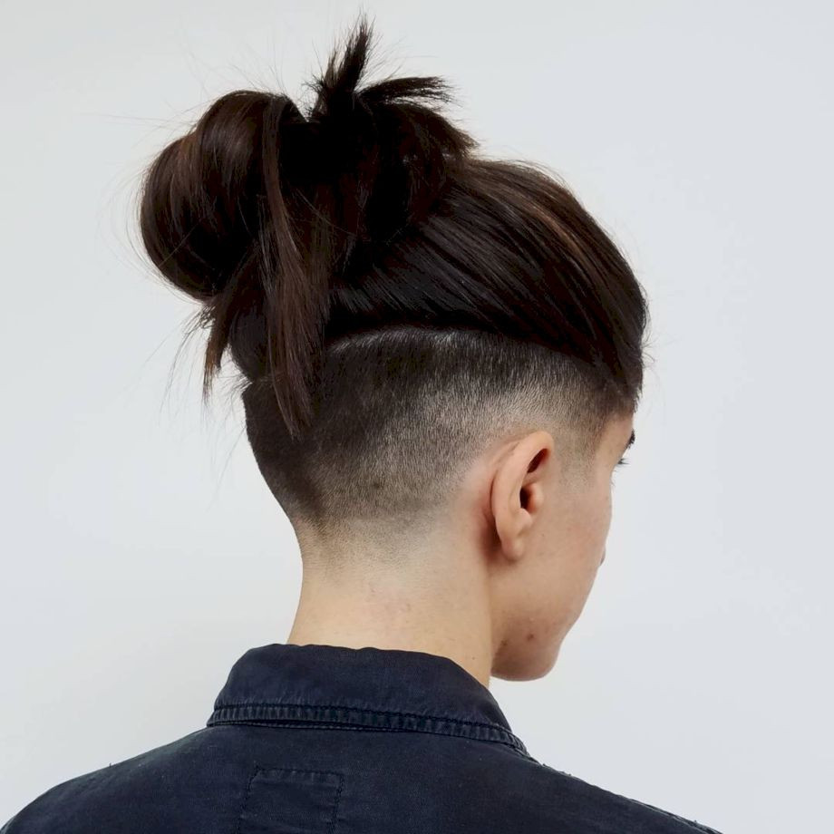 Undercut Hairstyle Girls  71 Lovely Undercut Hairstyle for Women Ideas Fashionetter