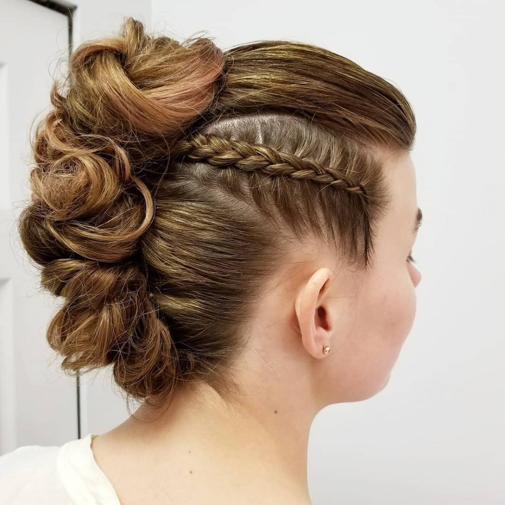 Updo Prom Hairstyles  Prom Updos and How To s For The Best Prom Updos