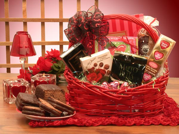 Valentine Day Gift Baskets Ideas  Cute Romantic Valentines Day Ideas for Her 2017