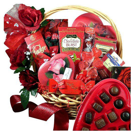 Valentine Day Gift Ideas For Wife  15 Valentine s Day Gift Basket Ideas For Husbands Wife