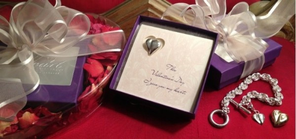 Best ideas about Valentines Day Gift Ideas For Girlfriend . Save or Pin Valentines Day Gift Ideas For Girlfriends Now.