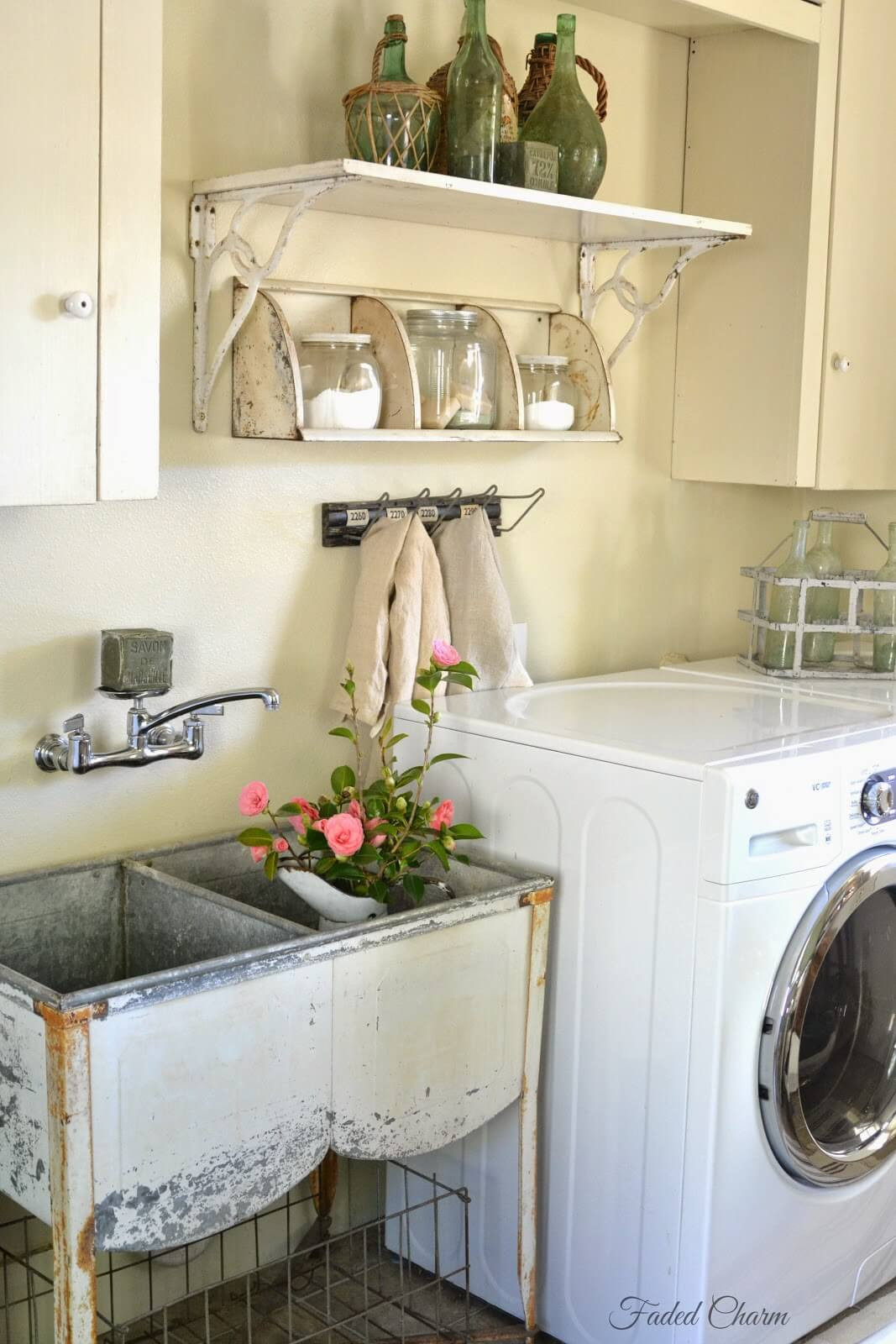 Best ideas about Vintage Laundry Room Decor . Save or Pin 25 Best Vintage Laundry Room Decor Ideas and Designs for 2017 Now.