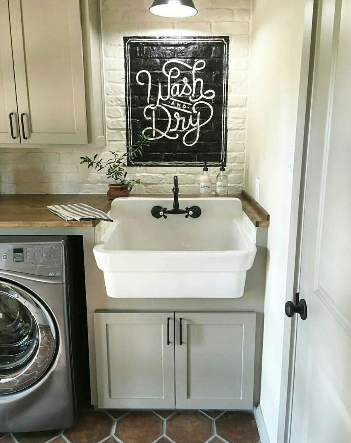 Best ideas about Vintage Laundry Room Decor . Save or Pin 25 Best Vintage Laundry Room Decor Ideas and Designs for 2019 Now.