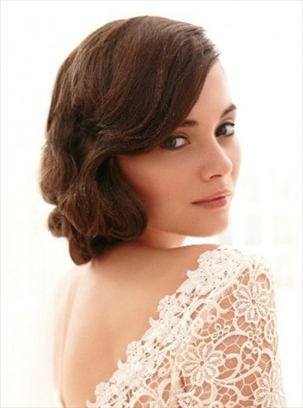 Vintage Updo Hairstyle  Vintage Hairstyles that Match Your Vintage Dress Hair