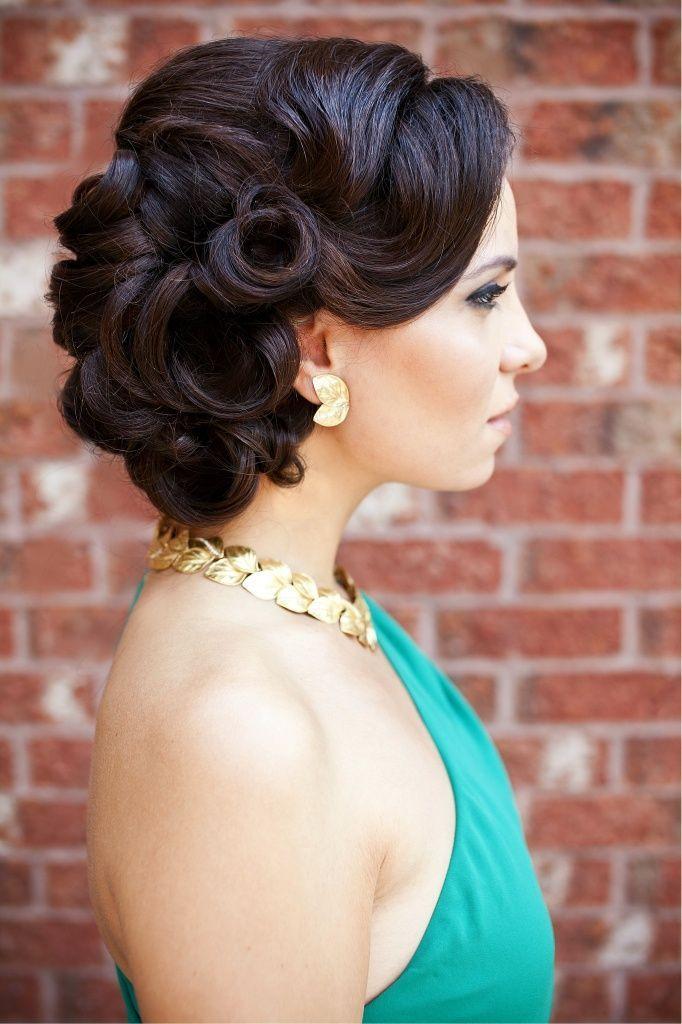Vintage Updo Hairstyle  Vintage hairstyle via stylecraze