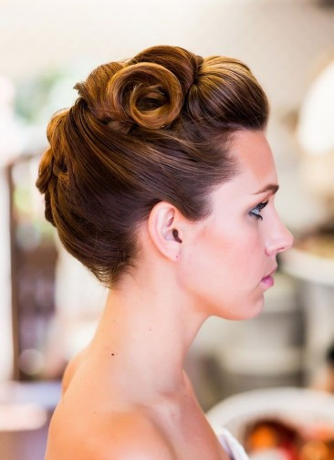 Vintage Updo Hairstyle  7 Dainty Vintage Updo Hairstyles Pretty Designs