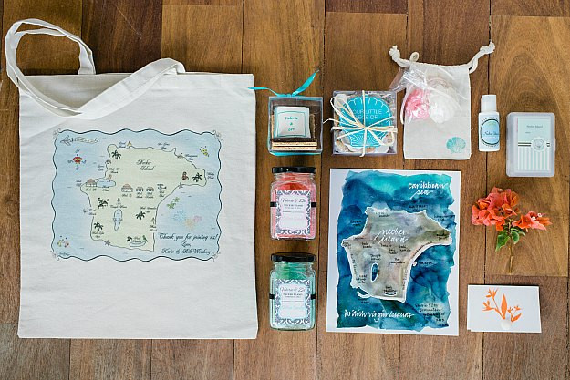 Best ideas about Wedding Gift Bag Ideas . Save or Pin Favors Now.