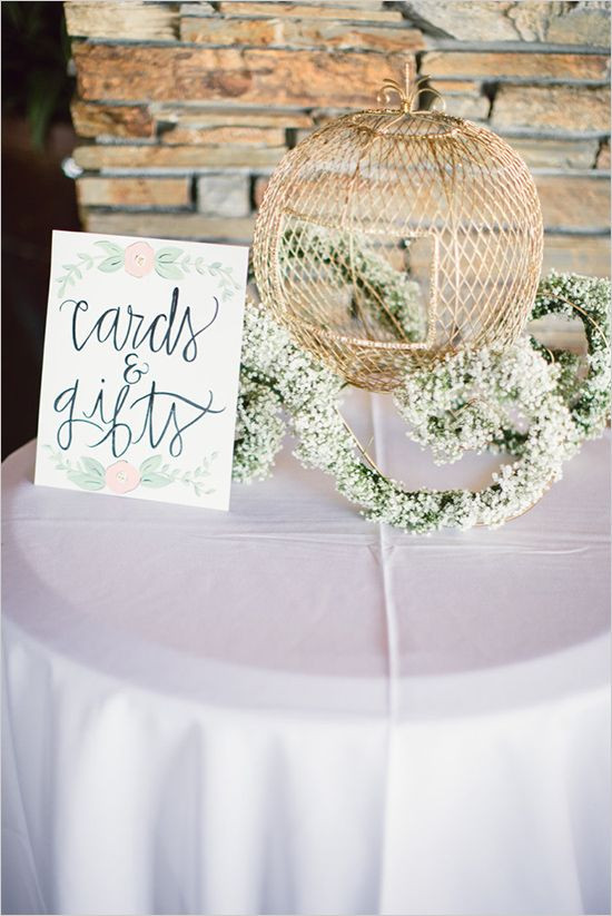 Wedding Gift Cards Ideas  25 best ideas about Wedding t tables on Pinterest