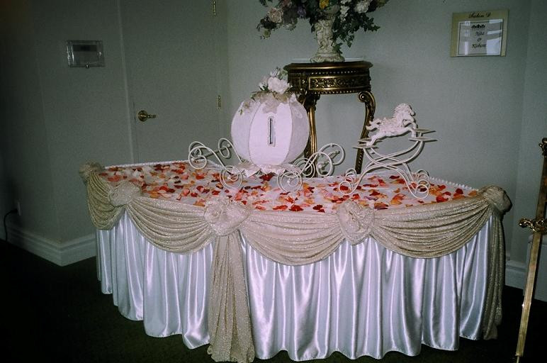 Best ideas about Wedding Gift Table Ideas . Save or Pin View Wedding Decor Gift Table Decor Now.