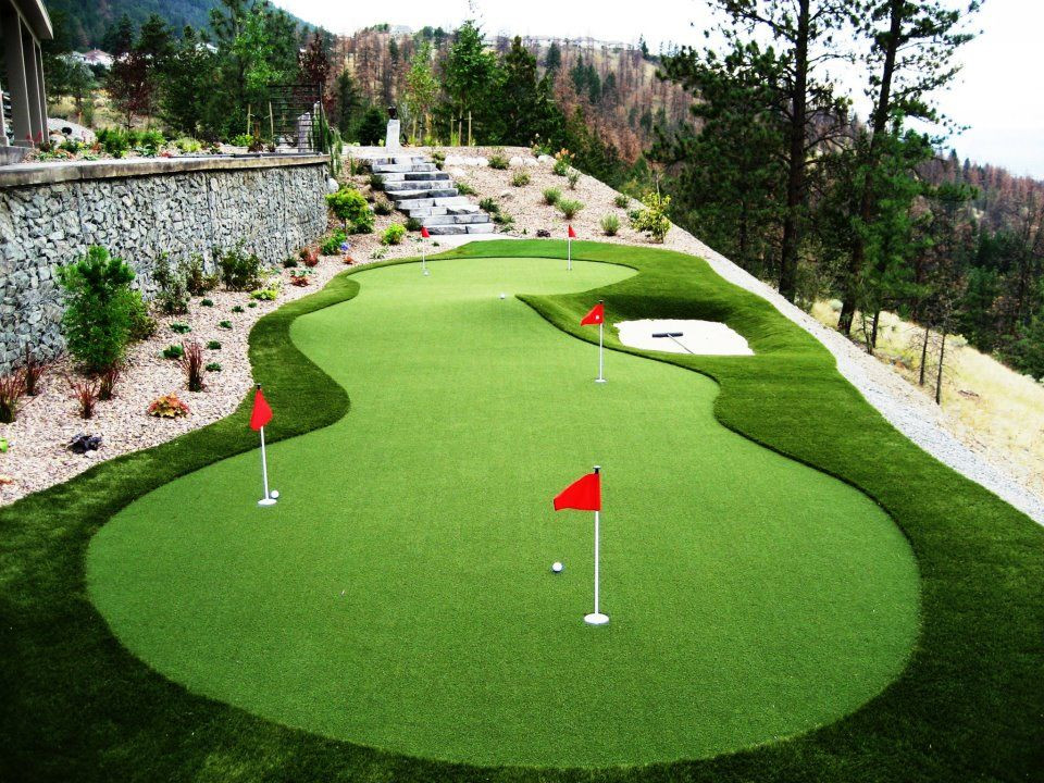 Best ideas about Backyard Mini Golf . Save or Pin Mini golf in the backyard thanks to synthetic grass Now.