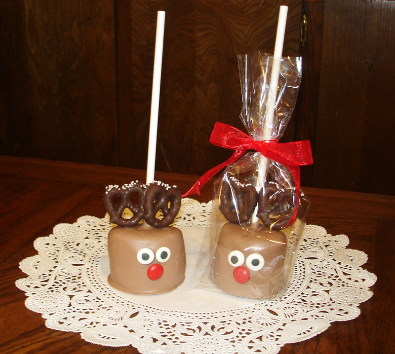 Best ideas about Christmas Treats DIY . Save or Pin Anyone Can Decorate Easy DIY Holiday & Christmas Treats Now.