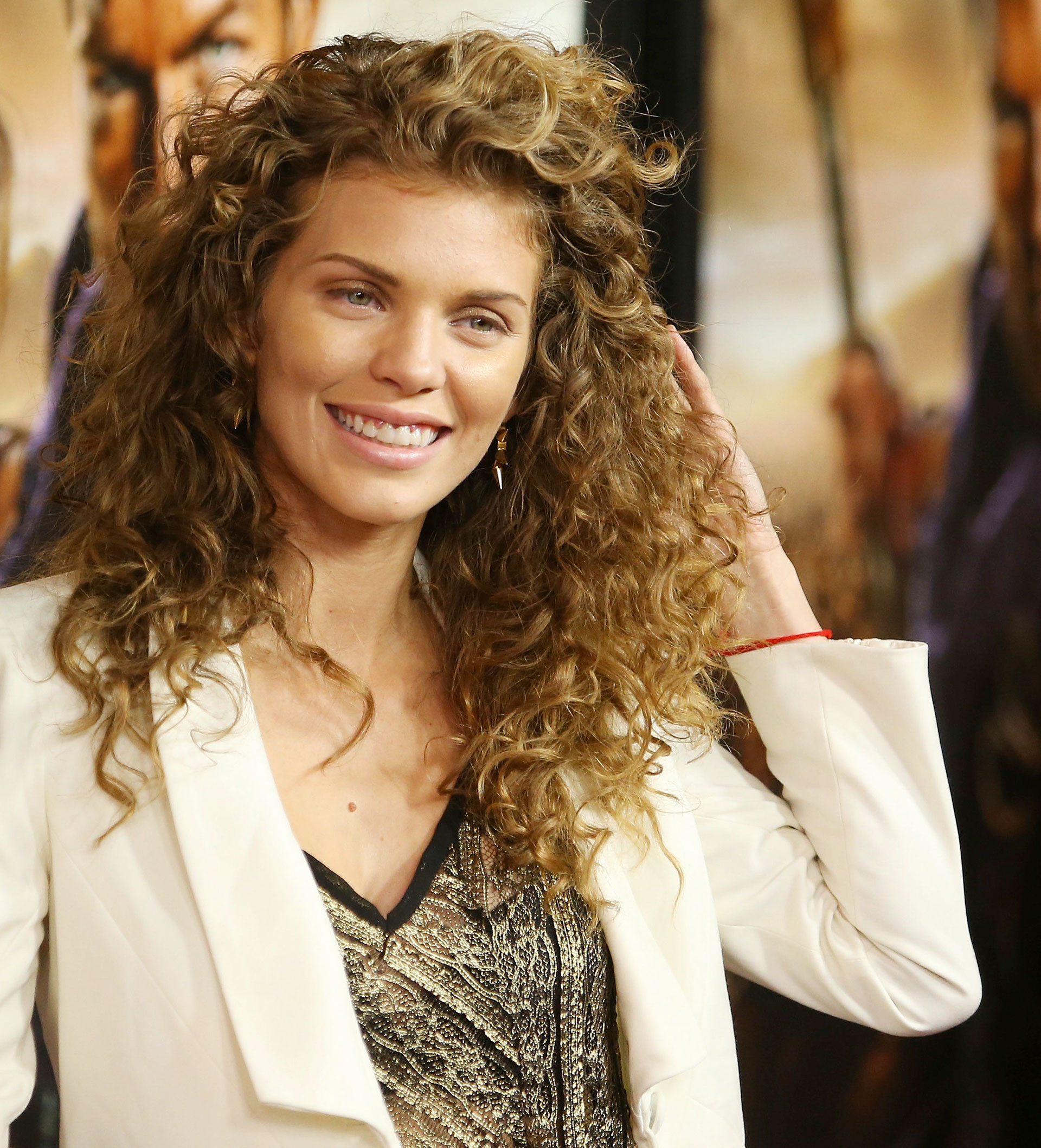 Best ideas about Cute Hairstyles For Thick Curly Hair . Save or Pin Easy Hairstyles for Thick Curly Hair Now.
